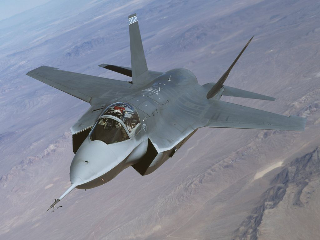 the lockheed martin f-35 lightning II